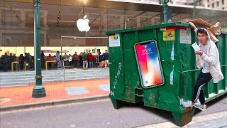 FOUND AN IPHONE X APPLE STORE DUMPSTER DIVING!