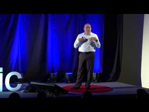 Las enfermedades no existen | Job Monobe | TEDxPitic