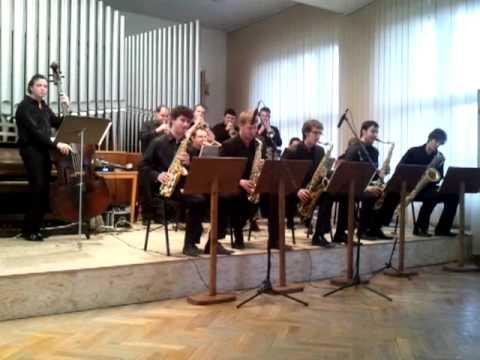 Academy big band orchestra, Alf theme