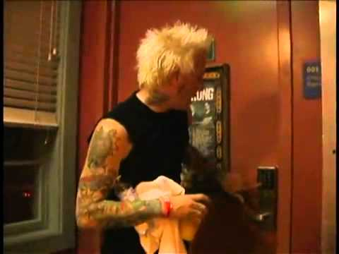 Download Mest - The Show Must Go Off ( Live @ The House Of Blues ) - part 3
