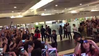 BTS & PARK BOGUM ARRIVAL IN SINGAPORE AIRPORT 170804