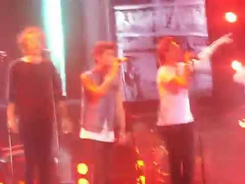 ONE DIRECTION - RIGHT NOW - BOGOTA, COLOMBIA LIVE 25/04/14
