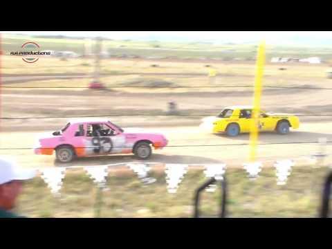 Wild Bill's Raceway Powder Puff Heat Race 6/11/16