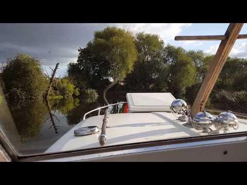 Sunny October evening on the River Avon near Evesham