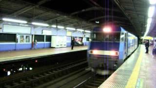 DSCF9750関内駅で機関車が通過.AVI