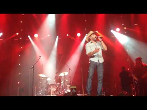 Dean Brody Canadian girls live Medicine Hat may 25 2017