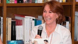 Maria Victoria Carrasco-Domingos Culturales-¡La Verdad de una Historia! (Enamórate de un personaje)