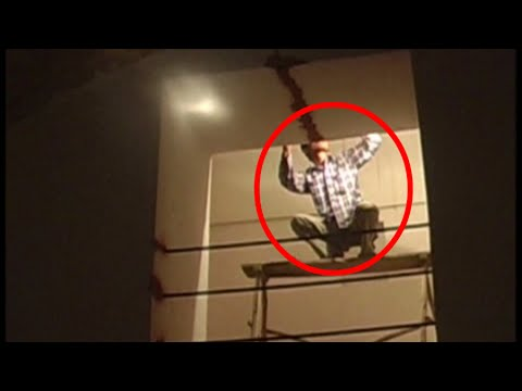 horror-ghost-sighting-ever-caught-on-camera-|-shocking-ghost-video-|-big-horror-videos-|-tape-4