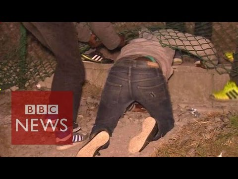 Calais migrants crisis: Inside 'The Jungle' migrant camp - B