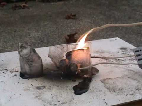 Lithium battery in ice block explodes