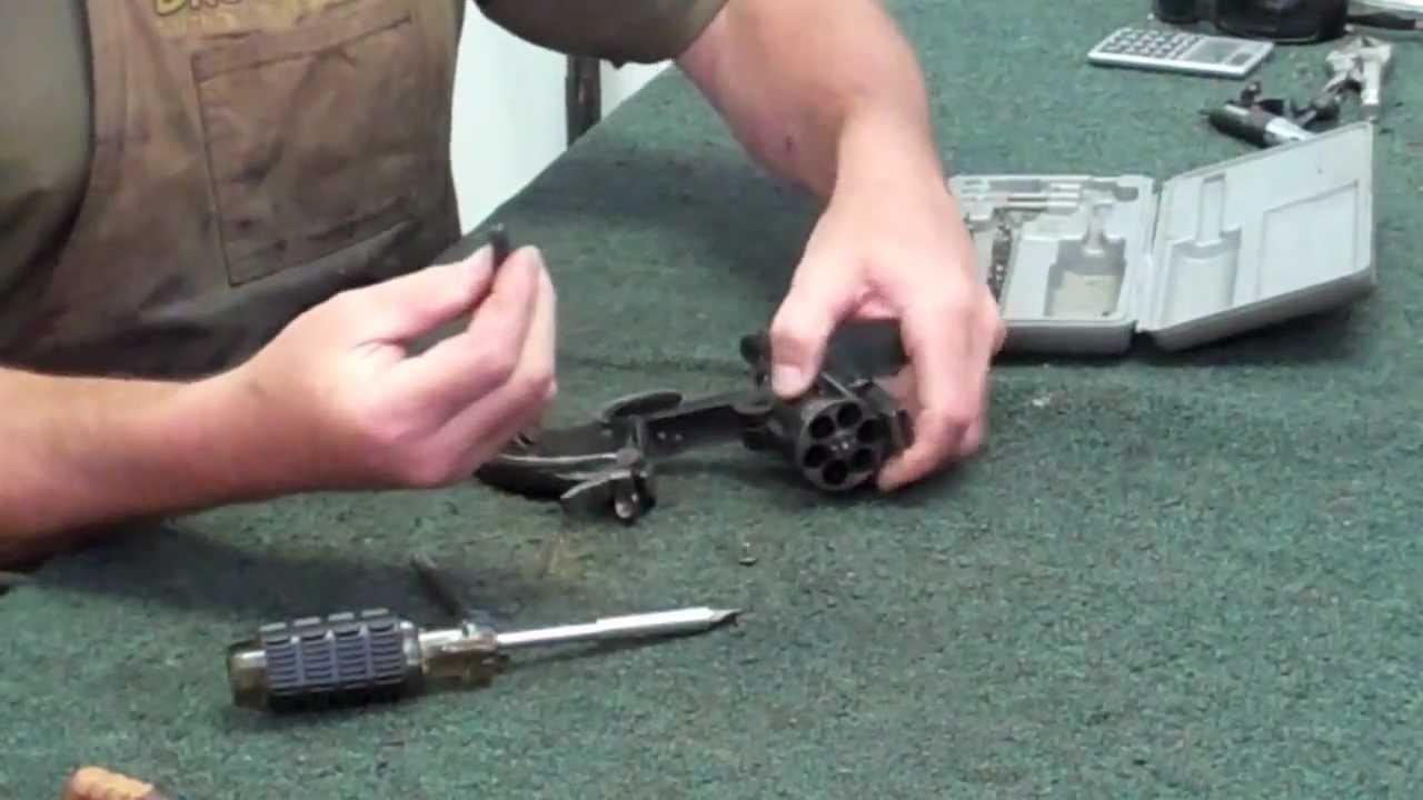 Gunsmithing Disembly: Smith & Wesson Schofield (Uberti hideout ...
