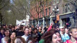 Glee Flash Mob - Pioneer Square - Seattle - April 10, 2010 - front row view