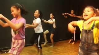 Hài Kịch Ứng Tác - Nhảy Ứng Tác Nhí