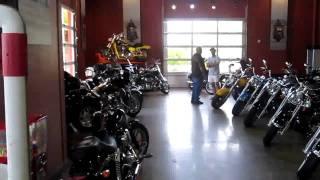 № 960 США Мотоциклы Harley Davidson магазин Target Орландо FloridaYalta(КАК ВЫЙТИ ЗАМУЖ СИДЯ НА ПОДОКОННИКЕ - https://www.youtube.com/watch?v=-GYD92E2gVQ ФОРУМ РУССКИХ НЕВЕСТ ..., 2011-06-17T02:04:02.000Z)
