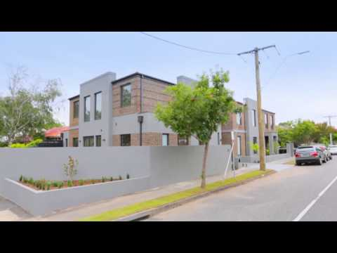Marshall White: 32 Tooronga Road, Malvern East