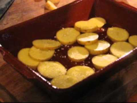 gebakken aardappelschijfjes uit de oven