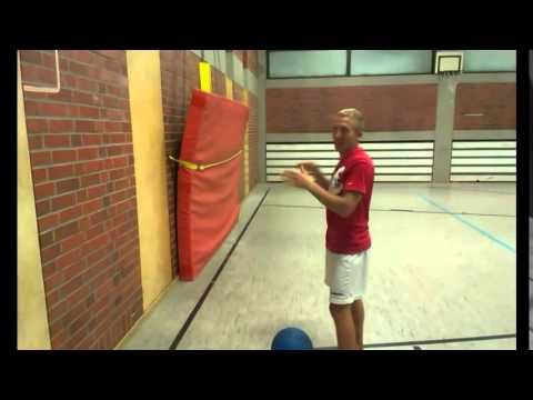 10 bungen mit dem medizinball sportvideo bei youtube