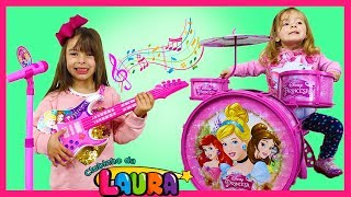 LAURINHA & HELENA PRETEND PLAY WITH MUSICAL INSTRUMENT TOYS FOR KIDS & SING NURSERY RHYMES