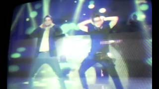 sExydAnce In sHowtime Tip Of Tongue Sine Moto By Billy & Vhong