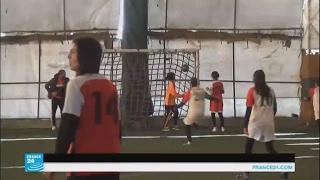 مباراة نهائية في بطولة كرة القدم النسائية الكردية في القامشلي