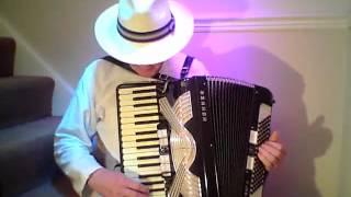 A Nakht in Gan Eydn on a Hohner Verdi Accordion