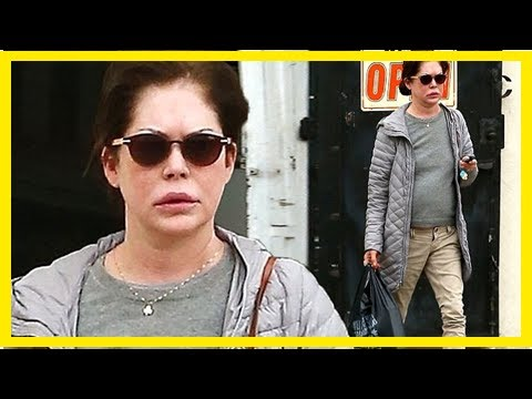 Lara flynn boyle cases her youthful complexion in los angeles