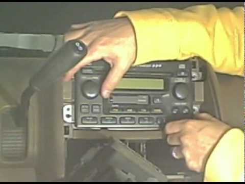 2003 Honda CR-V Aftermarket Stereo installation - YouTube