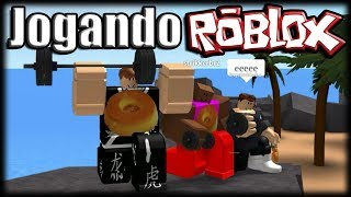 Playing Roblox-getting MAROMBA and creating fights!