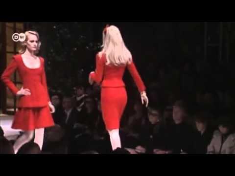 4596aafe1 مصمم الأزياء الإيطالي فالنتينو   يوروماكس - YouTube