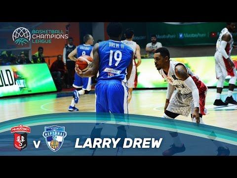 Larry Drew delivers 10 Assists vs Usak!