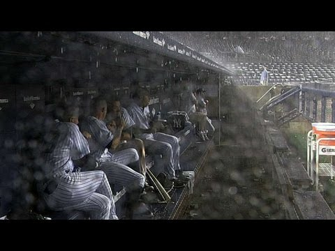 Yanks, Red Sox startled by thunder during delay