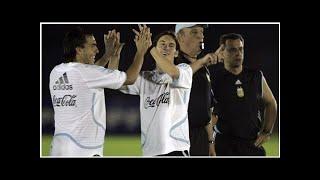 El ex preparador físico de Basile reveló que los jugadores no querían a Riquelme en la Selección ...