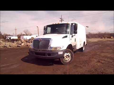 2004 International 4200 service truck for sale | no-reserve Internet auction April 5, 2018