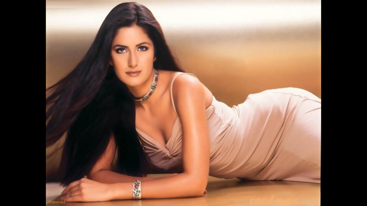 Katrina Kaif - Super hot - YouTube