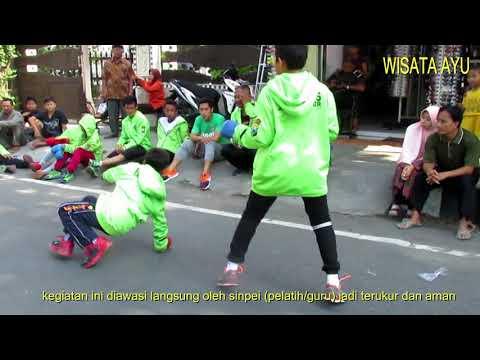 aksi-karate-anak-inkanas-jatim-di-acara-car-free-day