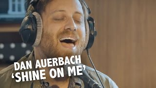 Dan Auerbach - 'Shine On Me' (acoustic) live @ Ekdom In De Ochtend