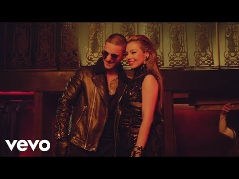 "Watch ""Thalía - Desde Esa Noche (Official Video) ft. Maluma"" on YouTube"