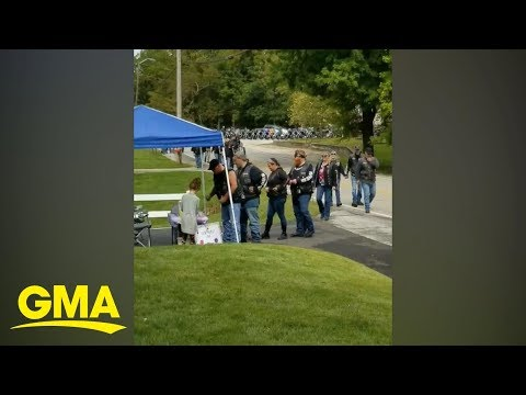 Maria - #GoodNews: Bikers Support Lemonade Stand Of Girl Who's Mom Helped Them