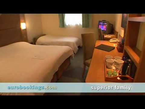 blackpool,-england:-the-big-blue-hotel,-pleasure-beach-resort