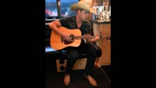 Dustin Lynch, Wild in Your Smile Video