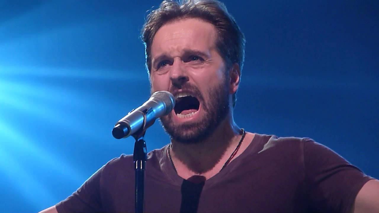 Alfie Boe 'Bring Him Home' at Royal Albert Hall London 09