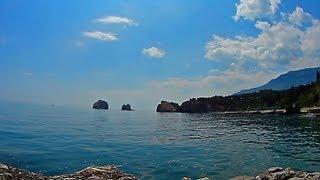 Гурзуф :  дайвинг : Черное море : дикий пляж : Крым(http://gurzuf.me Гурзуф : дайвинг : море : дикий пляж : Крым : Gursuf: diving: the sea: wild beach: Crimea ( Это не общественные пляжи ), 2013-05-19T19:57:09.000Z)