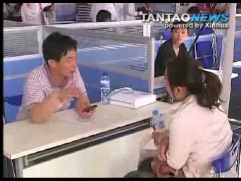China College Grads Work for Free