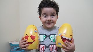 Yusuf Emoji Sürpriz Yumurtalar Buldu | Kids Pretend Play with Giant Surprise Eggs