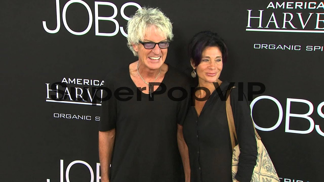 Kevin Cronin with kind, Wife Lisa Cronin