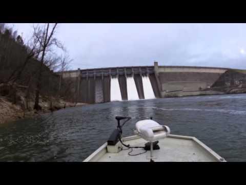 Flood Gates at Table Rock Dam Shutting Down, 1/26/16