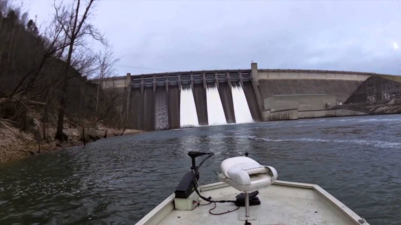 Flood Gates At Table Rock Dam Shutting