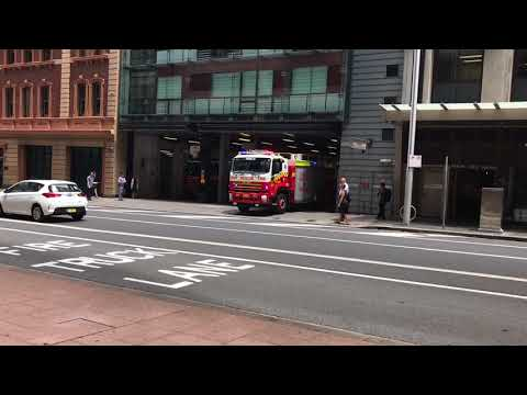 NSWFR Heavy Rescue  Returning to City of Sydney Station!