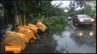 Raw Video: Typhoon Rammasun Hits the Philippines