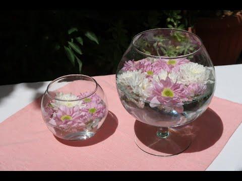 Come realizzare un centrotavola con dei fiori galleggianti - Centrotavola natalizi con fiori finti ...